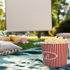 organizare cinema in aer liber